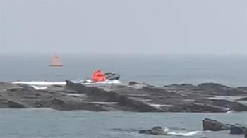 快訊/貢寮龍洞誤傳百人遭大浪捲走 2泳客體力透支已救起