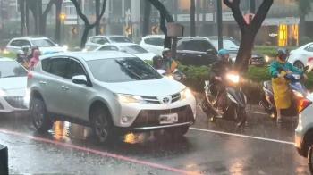 午後雷雨彈!台北狂飆36度 今起連3天雨勢劇烈