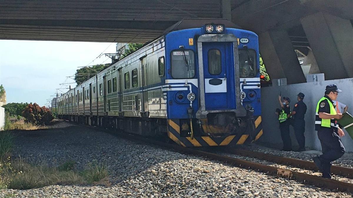 台鐵2511次撞及行人 清水-沙鹿列車延誤中!