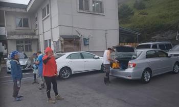 囂張違停害人車坐困合歡山 山友「見笑轉生氣」嗆聲影片曝