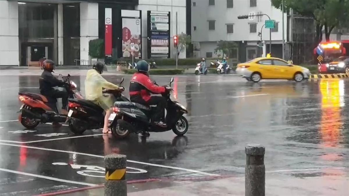 快訊/午後雨彈開炸!13縣市大雨特報 台南高雄防大雷雨
