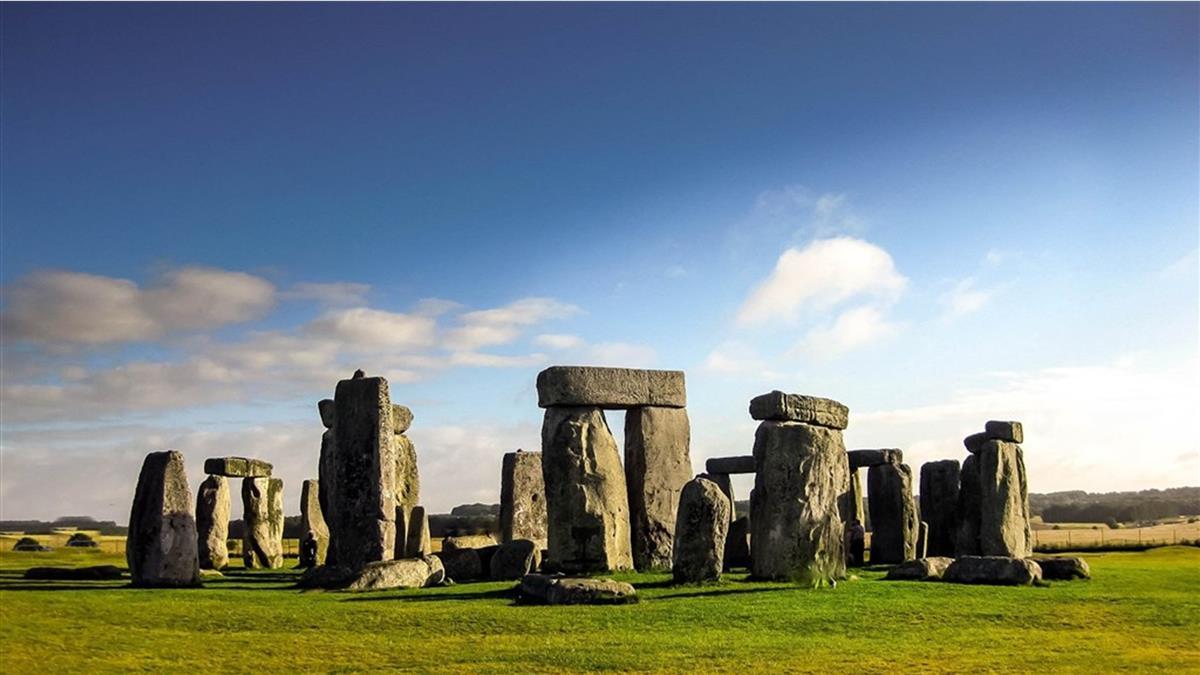 巨石陣石材從哪來?專家找到起點 揭千年謎團