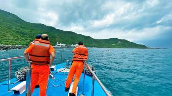 綠島浮潛  22歲女遊客溺水送醫不治
