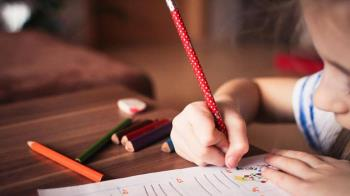 教小孩寫作業氣到腦出血 男住院仍擔心兒成績得憂鬱症