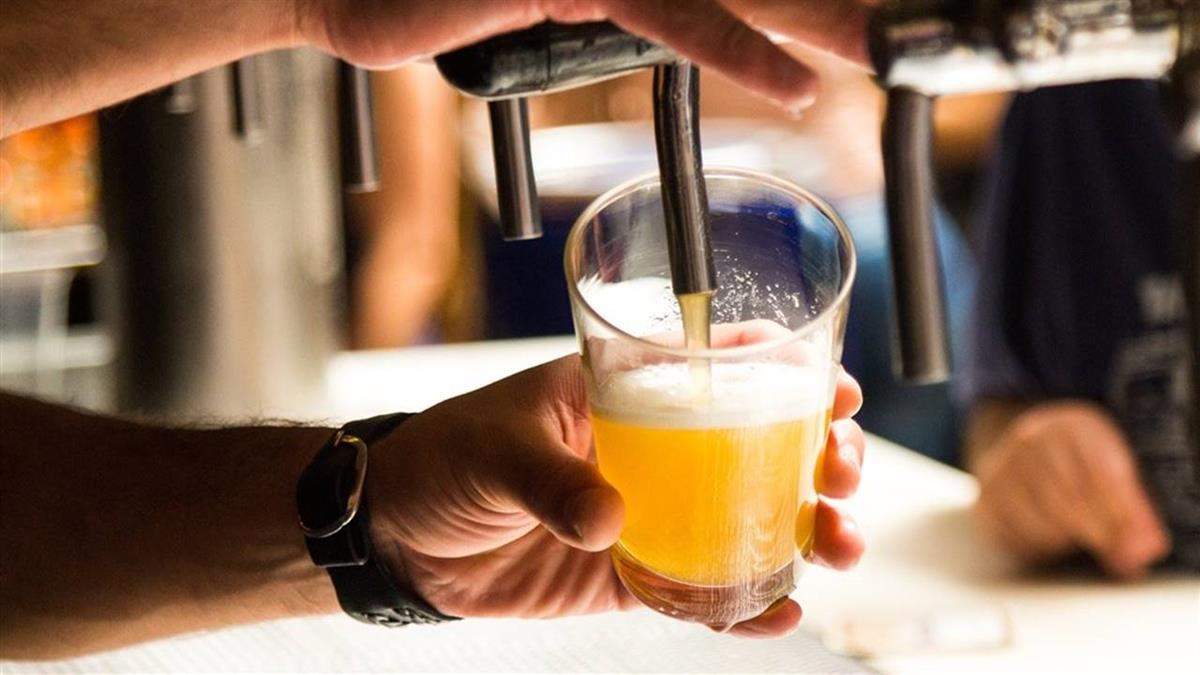 不愛戴口罩!比利時籍工程師曾到台中2酒吧 接觸者40人