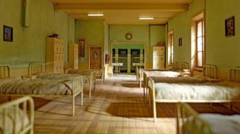 七仙女宿舍掙扎慘死!倖存女學生伴屍整晚嚇癱軟