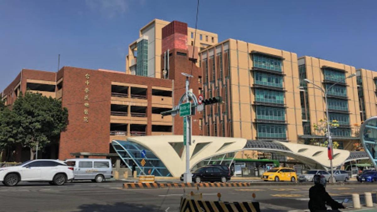 台中市公車機車發生碰撞  男大生送醫不治