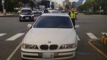 BMW轉彎未減速 女大生綠燈走斑馬線被撞飛
