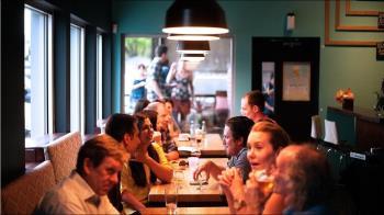 小孩餐廳奔跑尖叫 遭客人爆粗口 媽上網討拍結局沒暖到