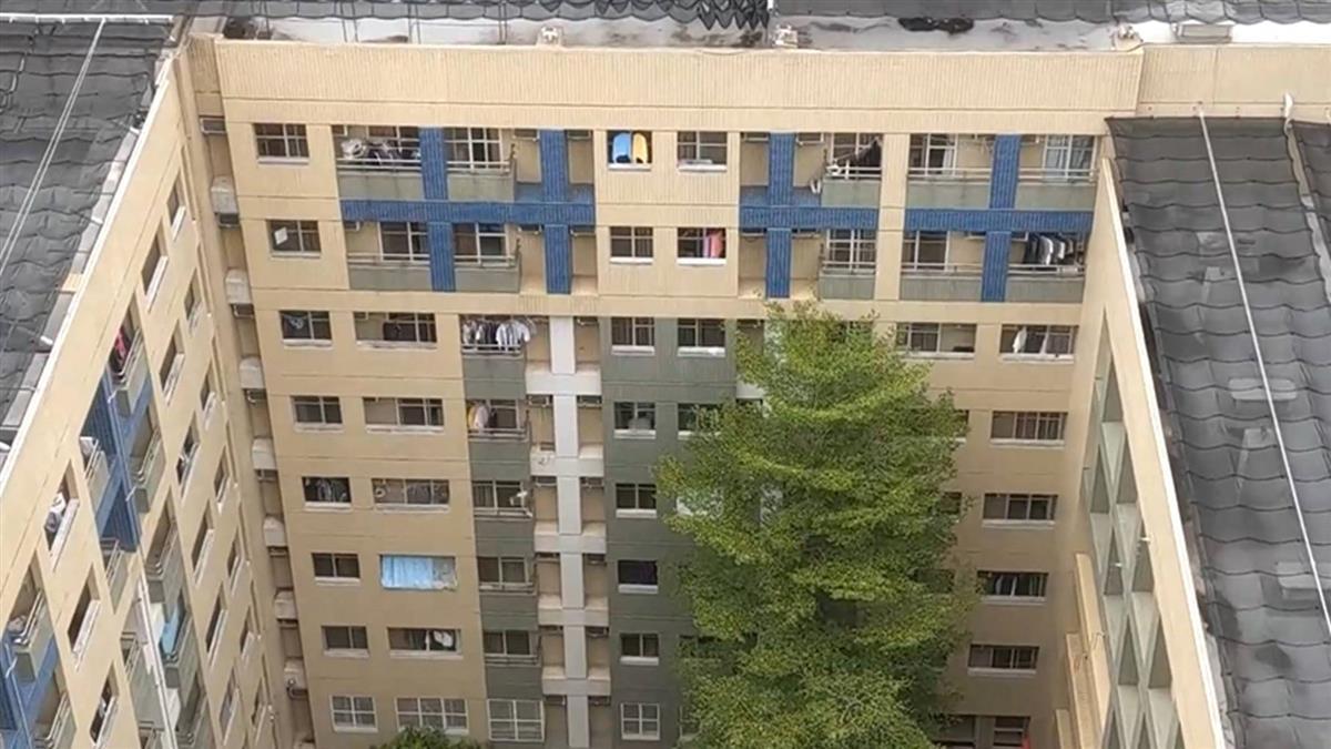 獨/月收數百萬嫌累!逢甲房東「機器收租」