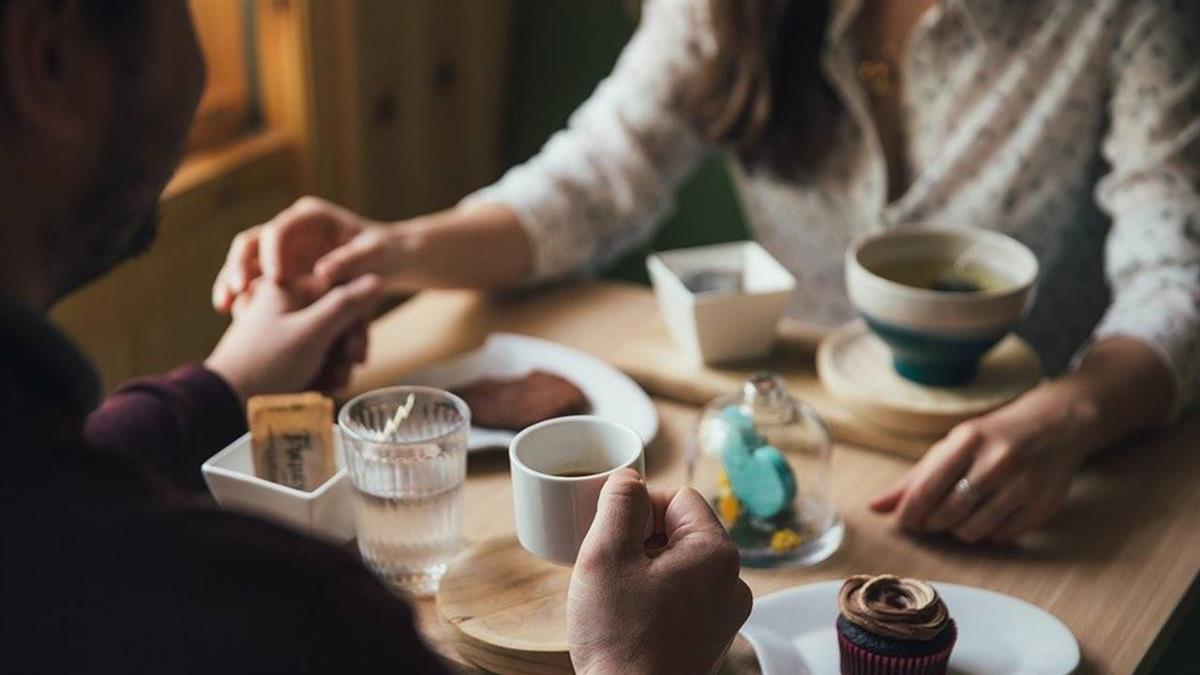 什麼都賣?網購驚見「一日伴侶」 粉專推7步驟暴富法