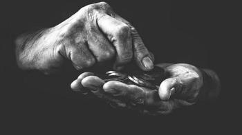 靠興趣賺錢! 紐西蘭男帶金屬探測器蹓躂...挖出金幣賺翻