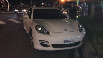 北市保時捷自撞!40歲男駕駛離奇死亡 警找到疑死因