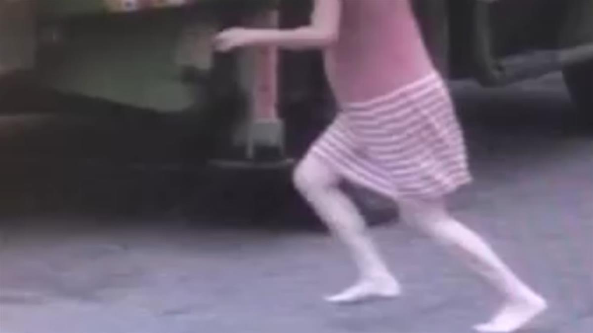 2歲女童捲輪下慘死 孕媽光腳狂奔求停車