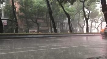 快訊/午後對流雨彈來襲!7縣市大雨特報 防雷擊、強陣風