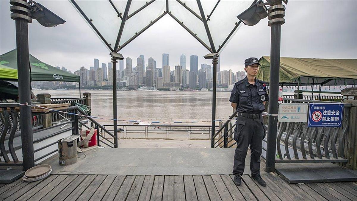 大陸洪災:洪水湧入重慶市區 三峽大壩經歷史上最大洪峰
