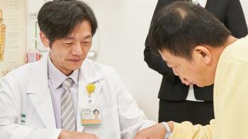 60歲男心肌梗塞無症狀 女兒堅持健檢救一命