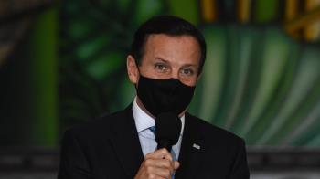 記者問及妻涉貪 巴西總統:我想在你臉上揍幾拳