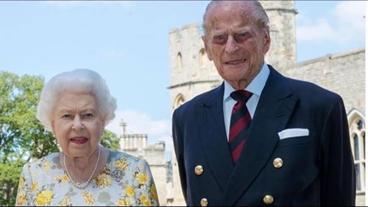 英女王苦守73年「假童話」?  菲利普親王遭爆擁30情婦、24私生子