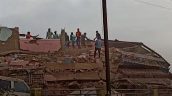 印度豪雨狂炸!公寓如紙牌屋倒塌 至少70人受困