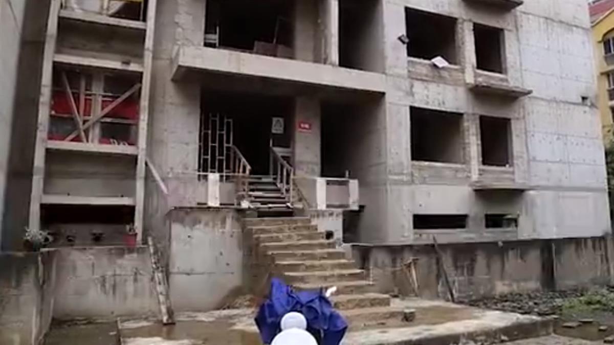 建商蓋一半落跑!單親媽因疫情失業 咬牙入住沒水沒電爛尾樓