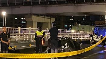 板橋光復橋騎士自撞分隔島!飛噴對向遭撞…腦漿溢出亡