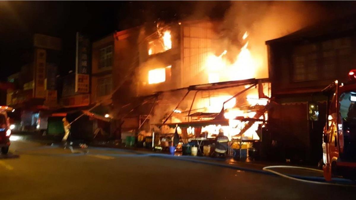 南投大觀市場凌晨惡火!多處攤位慘遭祝融 財損高達90萬