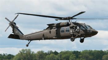 美軍黑鷹直升機南加州訓練墜毀 造成2死3傷