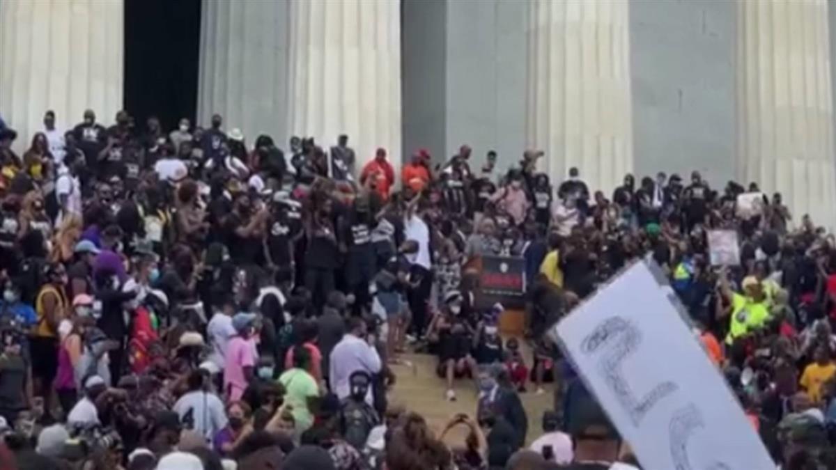 警槍傷非裔男成癱 華府萬人示威籲終結種族不公