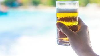 啤酒進肚好消暑? 小心喝進過多熱量發胖罹癌風險增