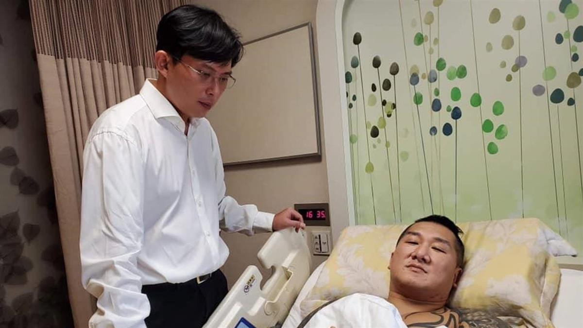 黃國昌免費當館長律師 苦苓酸:沽名釣譽