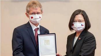 捷克參議長回應中國外長「過線」指控