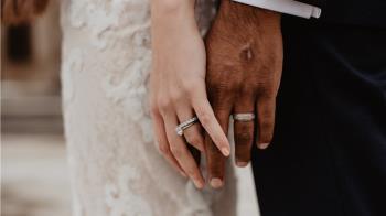 婚禮變忌日!25歲男新婚夜爽前暴斃  醫看遺體懂了