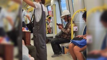 搭捷運自備座位!工人一句話逼哭萬人 感動畫面曝