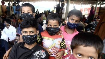 2015年以來最大批 300洛興雅人漂流半年終抵印尼