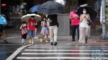 「白露」秋意濃今晨低溫降至16.8度 明起水氣增降雨範圍漸擴大