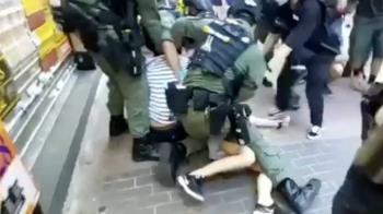 5港警騎壓12歲女!林夕罕氣炸:港防疫就是抓光路人