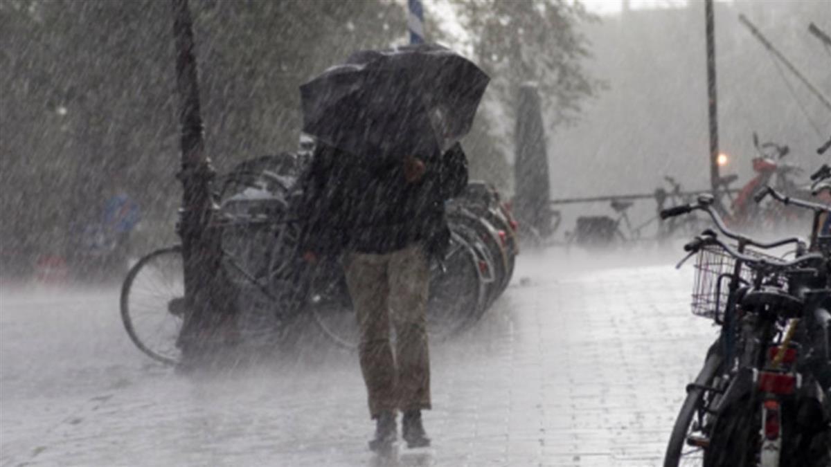 對流雲系旺盛!14縣市大雨特報 防雷擊強風