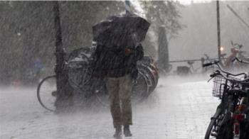 快訊/雷雨彈來了!全台10縣市大雨特報 防雷擊強陣風