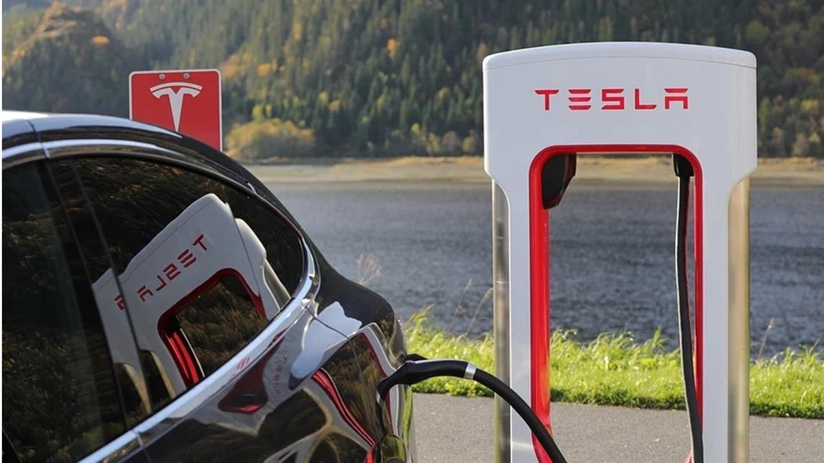 特斯拉大漲12%!電池日題材發酵 台概念股添動能