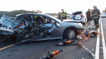 二度車禍撞擊釀1死2傷 五楊高架回堵3公里