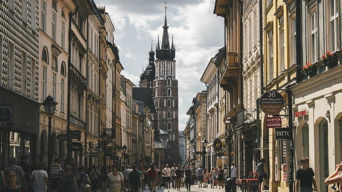 波蘭單日新增確診破紀錄 俄再添逾6000人染疫