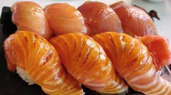 15歲女螃蟹割手!新北壽司店傳食物中毒 2人頭暈急送醫