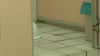 台中老師發現學生廁所啪啪!偷拍嘿咻畫面 還加碼猥褻女學生