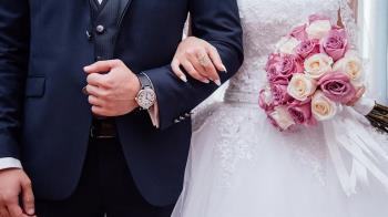 14年沒翻過!花7萬拍婚紗照 人妻嘆:後悔沒折現