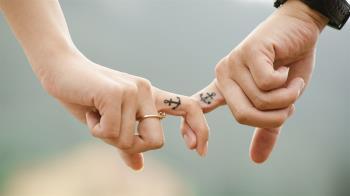 情侶吵架「憂男友不再愛我」24歲正妹「假上吊」弄假成真