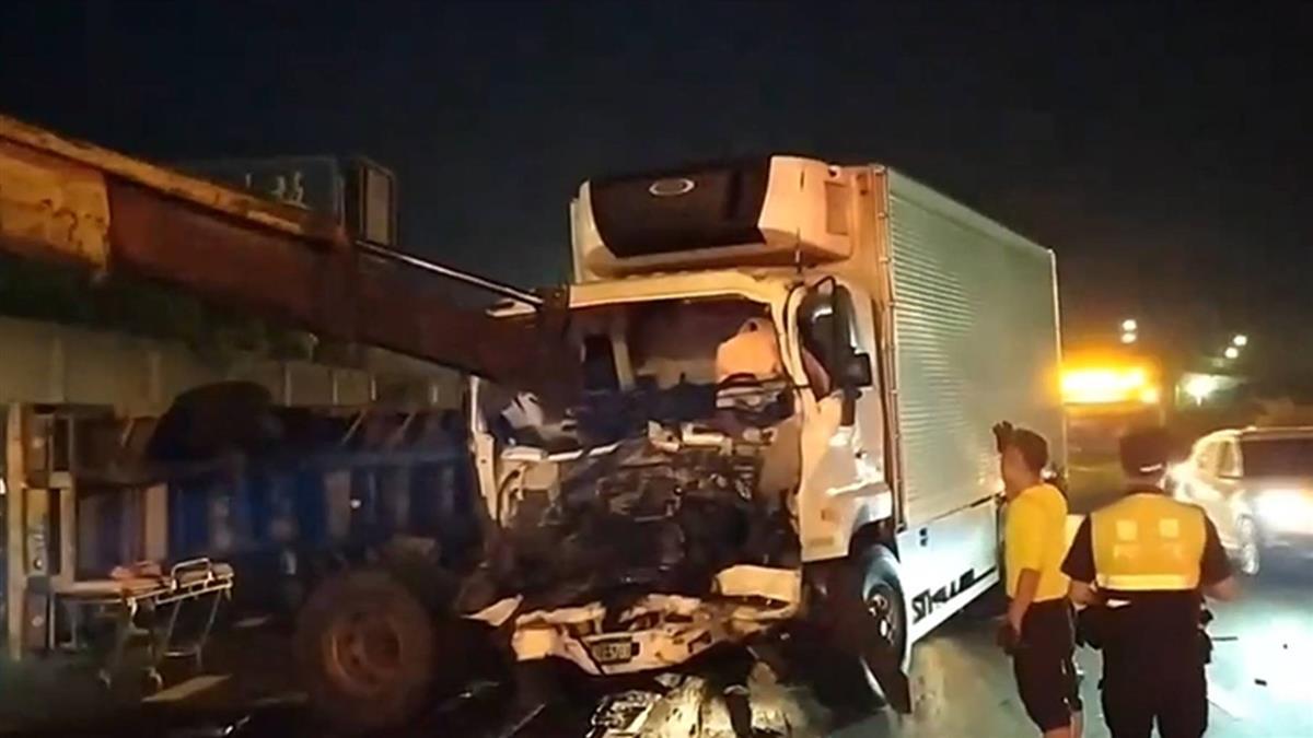 國道1號嘉義段2大車追撞 貨櫃車駕駛送醫不治