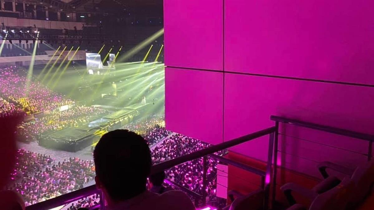 Hebe演唱會花1600只能看牆壁 主辦單位回應了