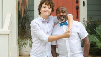 跨種族收養:一個非洲人收養美國白人男孩的故事