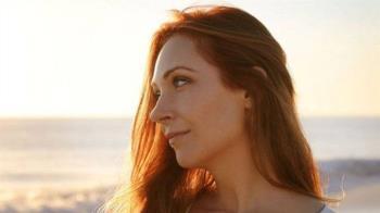 從煙癮成性到幫助別人戒煙的女催眠師企業家